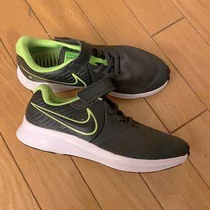 Nike kids Star Runner.  Size 3 little kid